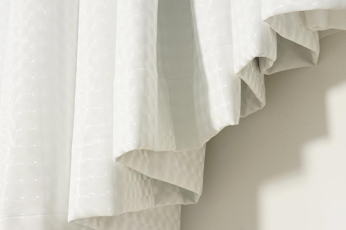 Tentures en tissu plastique effet 3D salle de douche.