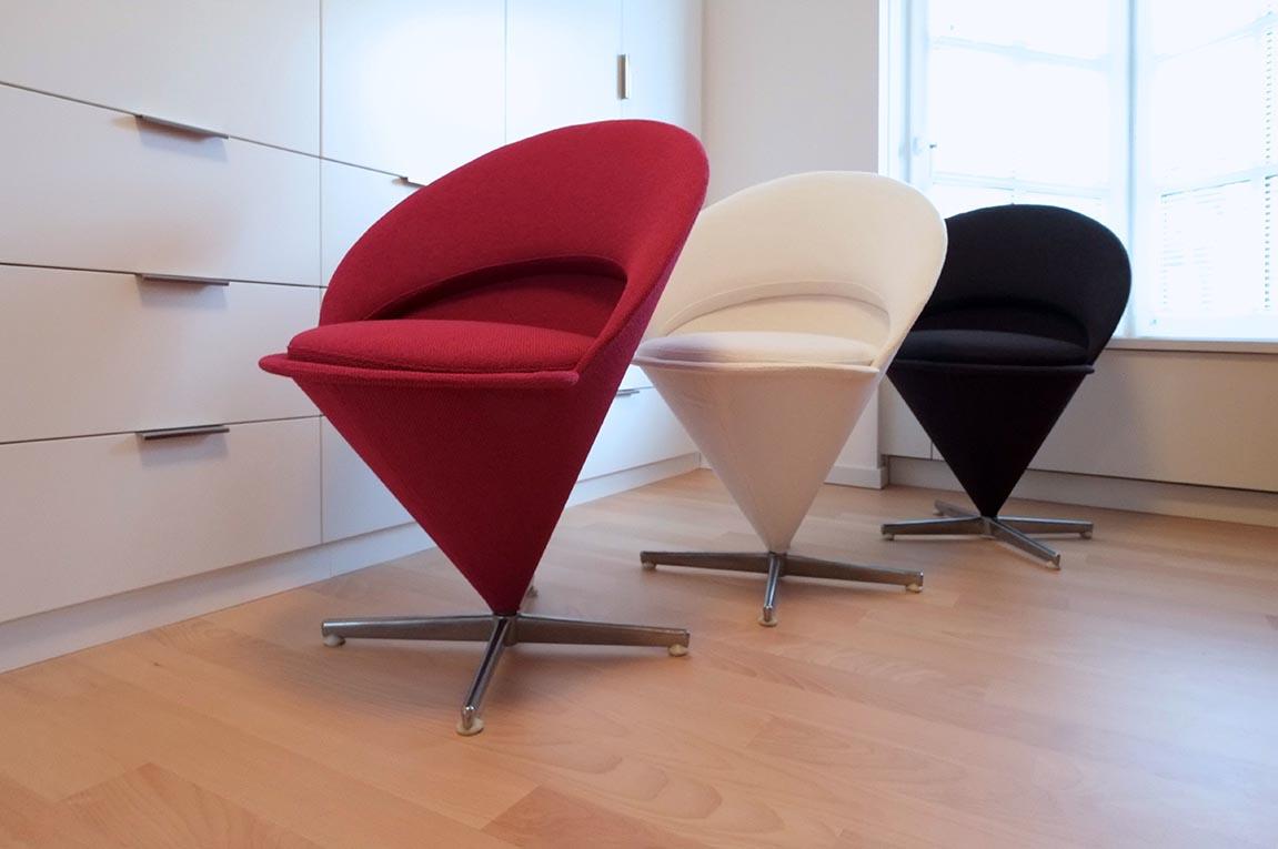"""Garnissage à l'identique de """"Cone Chairs"""" de Verner Panton."""